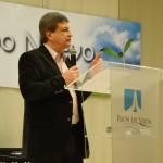 Daniel Trovato predicando